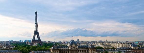 eiffel-tower-paris-france-panoramic-photo-2