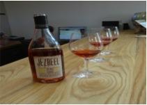DI rose wine