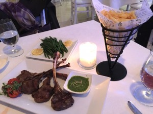 surf-room-long-beach-hotel-ny-kosher-lamb-chops-truffle-fries-haricot-vert
