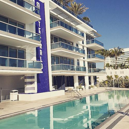 Churchill-Suites-Monte-Carlo-Miami-Beach-pool