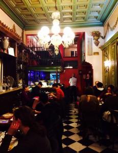 maccabi-kosher-restaurant-la-rambla-barcelona-spain-inside