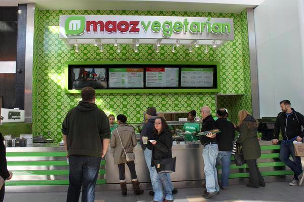 Maoz vegetarian opens kosher stand roosevelt field mall in long island yeahthatskosher for Roosevelt field garden city ny