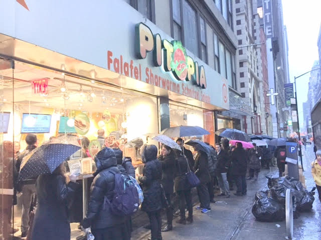 mexikosher-popup-nyc-2015-outside