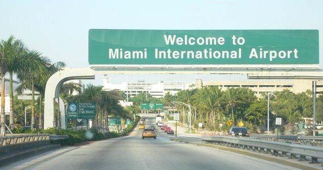 reviews of Miami International Airport