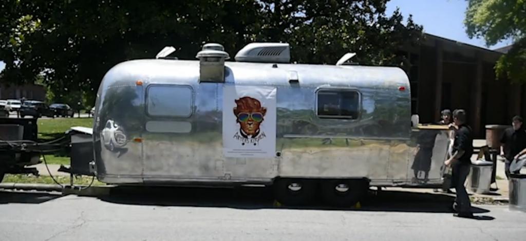 Aryehs-Kitchen-kosher-food-truck-Airstream