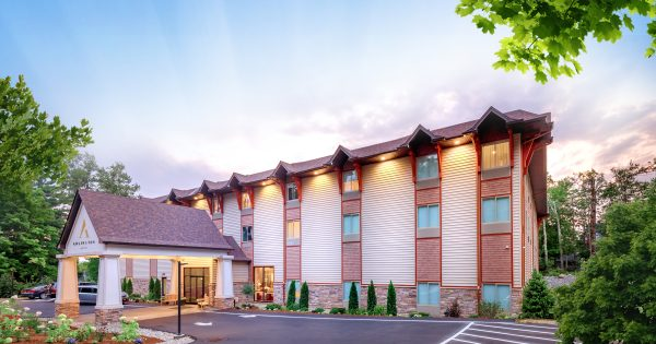 BRAND NEW: Year-Round Luxury Kosher Hotel Opens in New