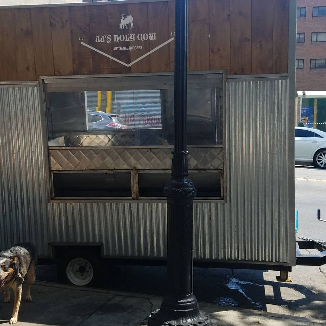 Kosher Food Has Made Its Way To Downtown Brooklyn Jj S Holy Cow Is An Al Burger Cart That Serves Organic Burgers At Reasonable Prices