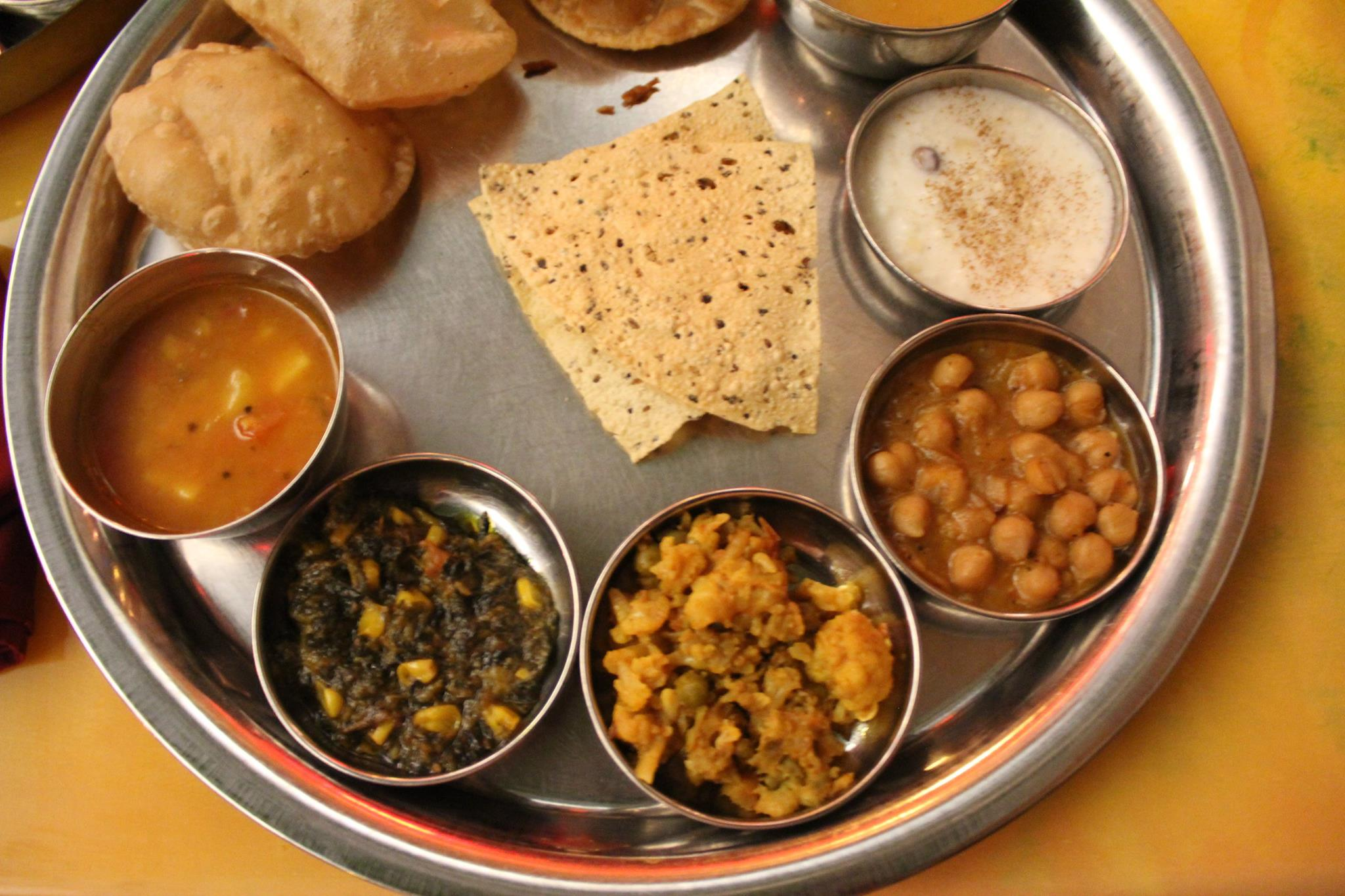 A Kosher Indian Vegetarian Restaurant Is Open On The East Side Of Manhattan Vatan Which Serving Up All Kinds Delicacies In Kip S Bay