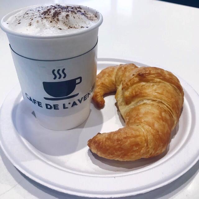 Cafe De L Avenue Cote St Luc