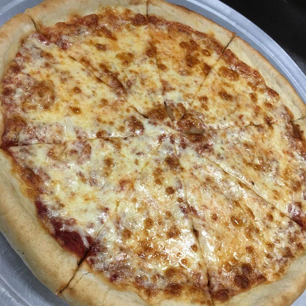 a plain pizza pie