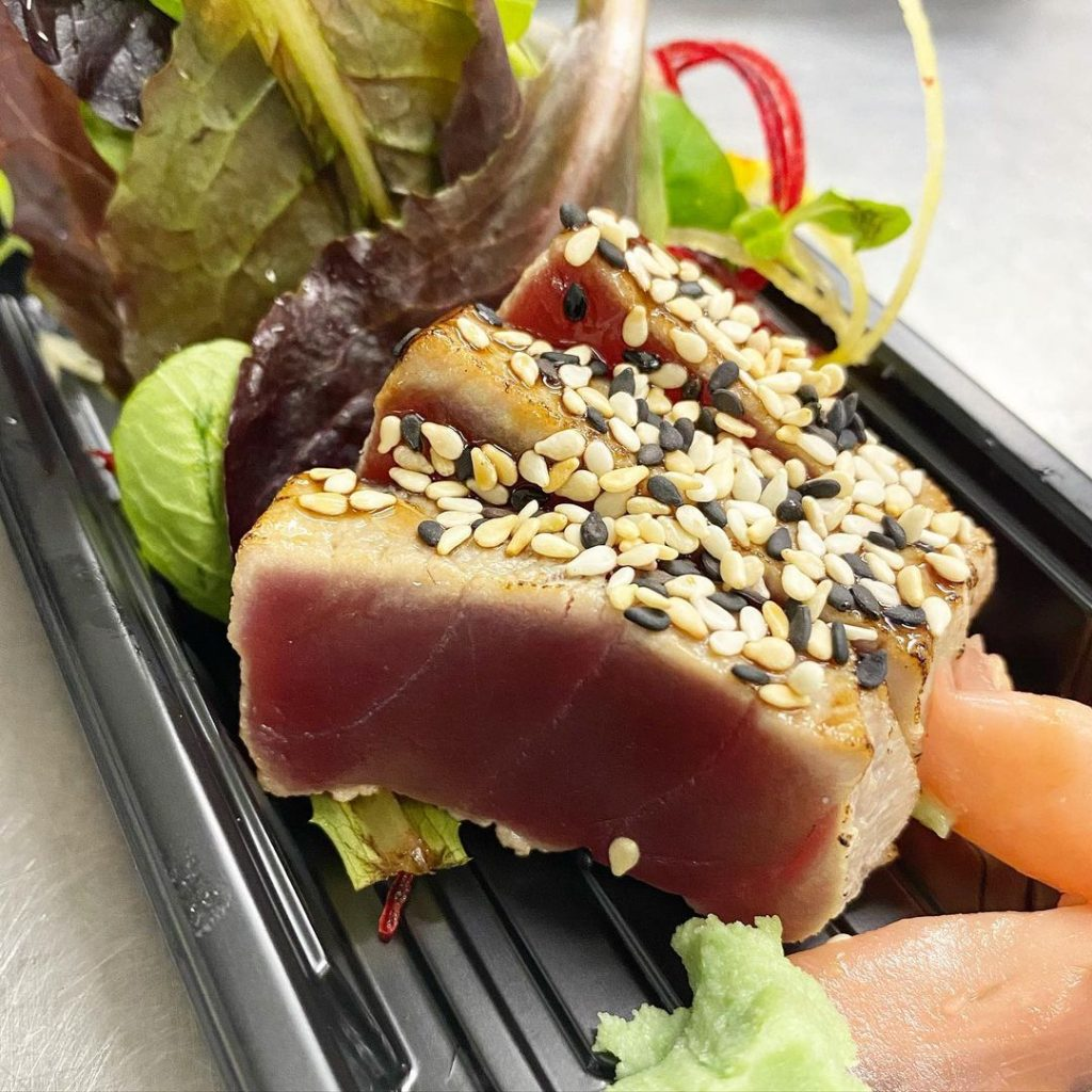 seared tuna and a side salad